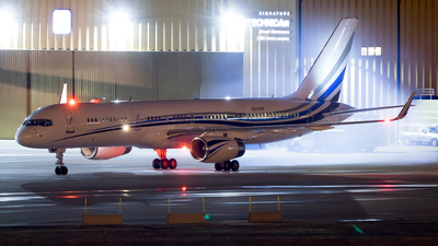 N801DM - Boeing 757-256 - Private