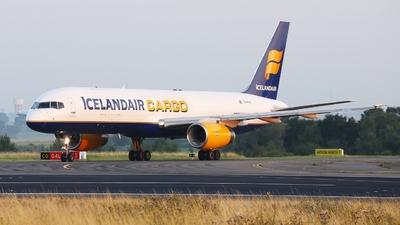 A picture of TFFIH - Boeing 757208(PCF) - Icelandair - © André Klöckner