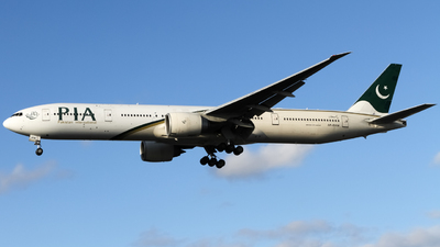 A picture of APBHW - Boeing 777340(ER) - Pakistan International Airlines - © subing27