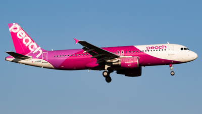JA806P - Airbus A320-214 - Peach Aviation