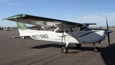 N570ND - Cessna 172S Skyhawk - University Of North Dakota