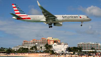 N938UW - Boeing 757-2B7 - American Airlines