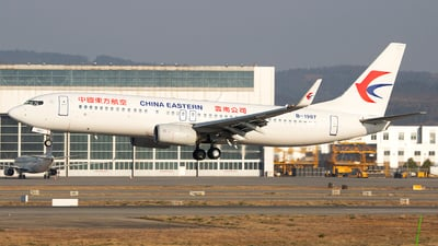 A picture of B1907 - Boeing 73789P - China Eastern Airlines - © SEN BAI