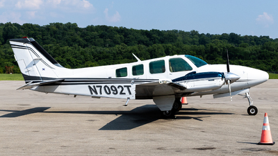 N7092T - Beechcraft 58 Baron - Private