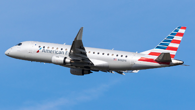 A picture of N432YX - Embraer E175LR - American Airlines - © Evan Dougherty