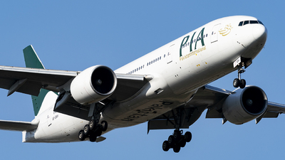A picture of APBMH - Boeing 7772Q8(ER) - Pakistan International Airlines - © Li Youyang