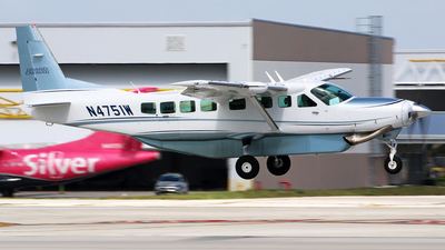 N4751W - Cessna 208B Grand Caravan - Private