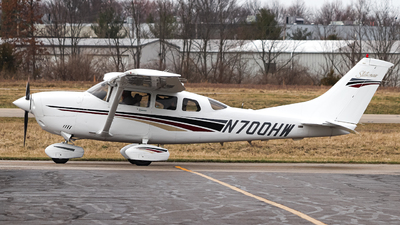 N700HW - Cessna T206H Turbo Stationair - Private