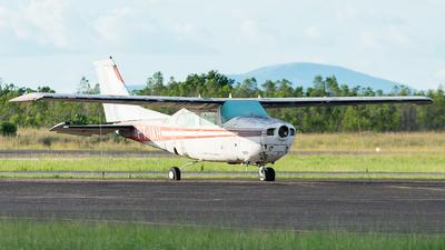PT-IAH - Cessna 210L Centurion II - Private