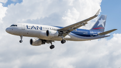 CC-BFP - Airbus A320-214 - LAN Airlines