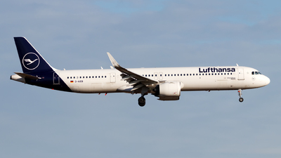 A picture of DAIEB - Airbus A321271NX - Lufthansa - © Oliver Richter