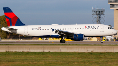 A picture of N345NW - Airbus A320212 - Delta Air Lines - © Alec Mollenhauer