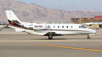 A picture of N691QS - Cessna 560XL Citation Excel - NetJets - © Gregory A. Waid