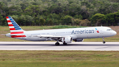 N163US - Airbus A321-211 - American Airlines