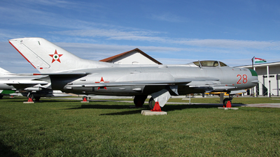 28 - Mikoyan-Gurevich Mig-19PM Farmer D - Hungary - Air Force