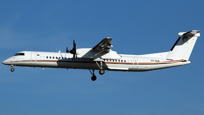 A picture of D2EEB - De Havilland Canada Dash 8400 - [4305] - © Bradley Rutters
