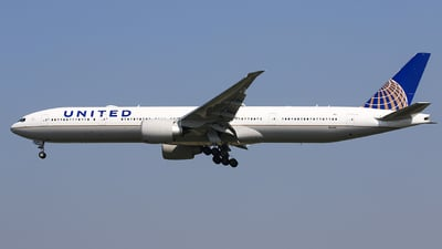 N2140U - Boeing 777-322ER - United Airlines