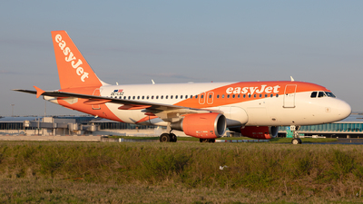 OE-LSZ - Airbus A319-111 - easyJet Europe