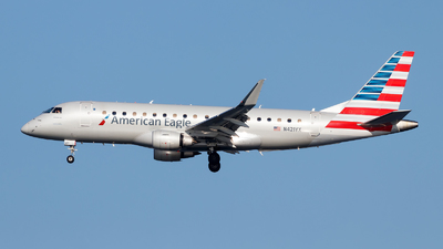 A picture of N421YX - Embraer E175LR - American Airlines - © Oliver Richter