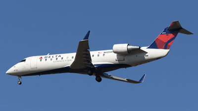 A picture of N685BR - Mitsubishi CRJ200LR - Delta Air Lines - © DJ Reed - OPShots Photo Team