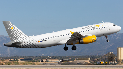 EC-MVM - Airbus A320-232 - Vueling Airlines