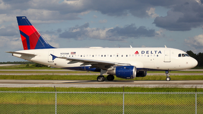 A picture of N355NB - Airbus A319114 - Delta Air Lines - © Herison Riwu Kore