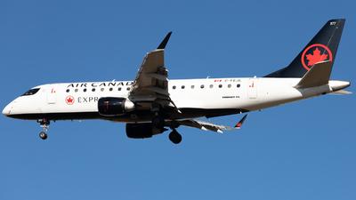 A picture of CFEJL - Embraer E175SU - Air Canada - © Sofronio_GY