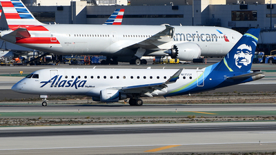 A picture of N175SY - Embraer E175LR - Alaska Airlines - © Rocky Wang