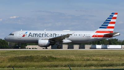 N108UW - Airbus A320-214 - American Airlines
