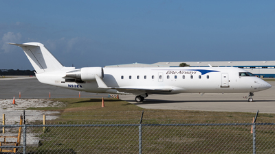 A picture of N93EA - Mitsubishi CRJ200ER - [7563] - © Alexandre Fazan