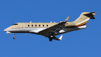OE-HOO - Bombardier BD-100-1A10 Challenger 300 - Private