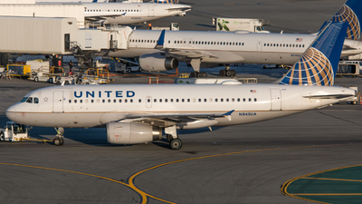 N845UA - Airbus A319-131 - United Airlines