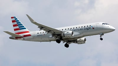 A picture of N425YX - Embraer E175LR - American Airlines - © Jeremy D. Dando