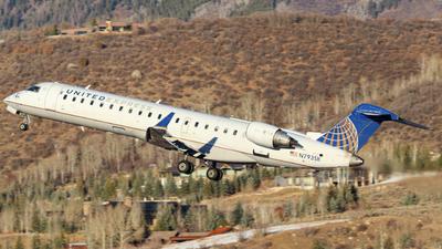 A picture of N793SK - Mitsubishi CRJ701ER - United Airlines - © Oliver J Semple