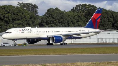 N682DA - Boeing 757-232 - Delta Air Lines