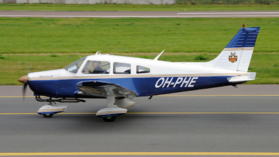 OH-PHE - Piper PA-28-161 Cherokee Warrior II - Private