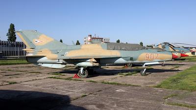 907 - Mikoyan-Gurevich MiG-21UM Mongol B - Hungary - Air Force