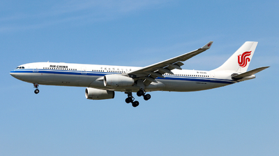 A picture of B6530 - Airbus A330343 - Air China - © Jiaming