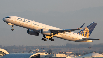 A picture of N41135 - Boeing 757224 - United Airlines - © Luke Dogan