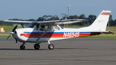 A picture of N46545 - Cessna 172K Skyhawk - [17257341] - © Orlando Suarez