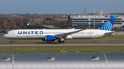 A picture of N14011 - Boeing 78710 Dreamliner - United Airlines - © Airlinergeek