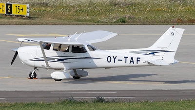 OY-TAF - Cessna 172S Skyhawk SP - Private
