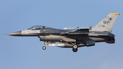 90-0718 - General Dynamics F-16CG Fighting Falcon - United States - US Air Force (USAF)