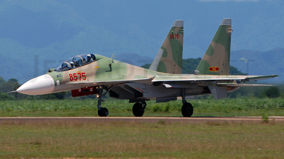 8575 - Sukhoi Su-30MK2 - Vietnam - Air Force