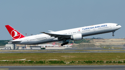 A picture of TCJJR - Boeing 7773F2(ER) - Turkish Airlines - © Alp AKBOSTANCI