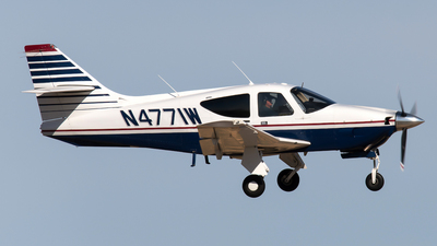N4771W - Rockwell Commander 114 - Private