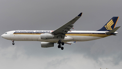 9V-STT - Airbus A330-343 - Singapore Airlines