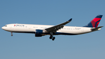 N824NW - Airbus A330-302 - Delta Air Lines