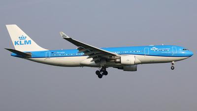 PH-AOM - Airbus A330-203 - KLM Royal Dutch Airlines