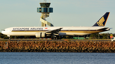 9V-SYG - Boeing 777-312 - Singapore Airlines